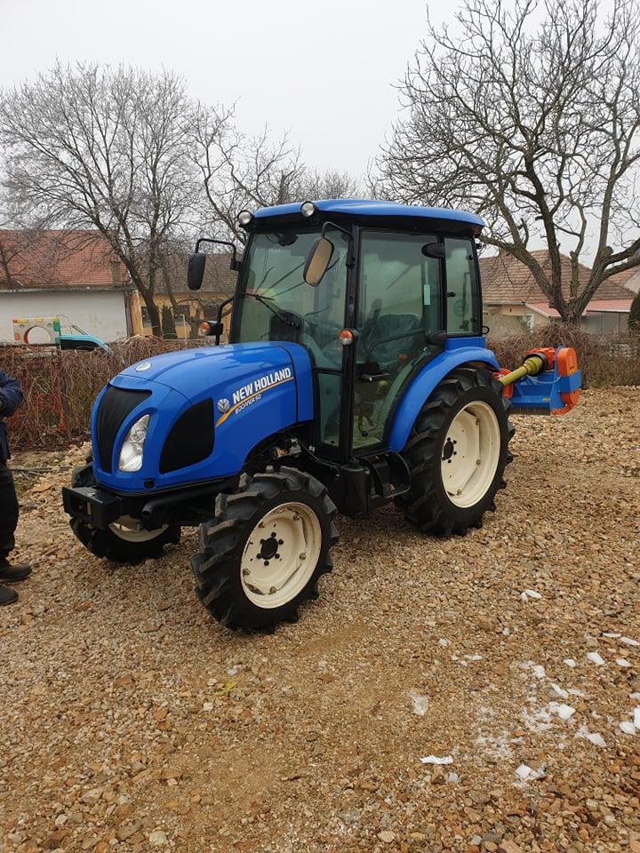 Fűnyíró traktor